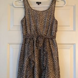 Leopard print dress EUC